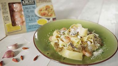 Pappardelle with shrimp, garlic and artichoke crisps