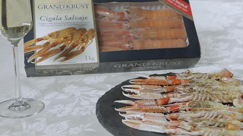 Grilled scampi with mousseline of garlic